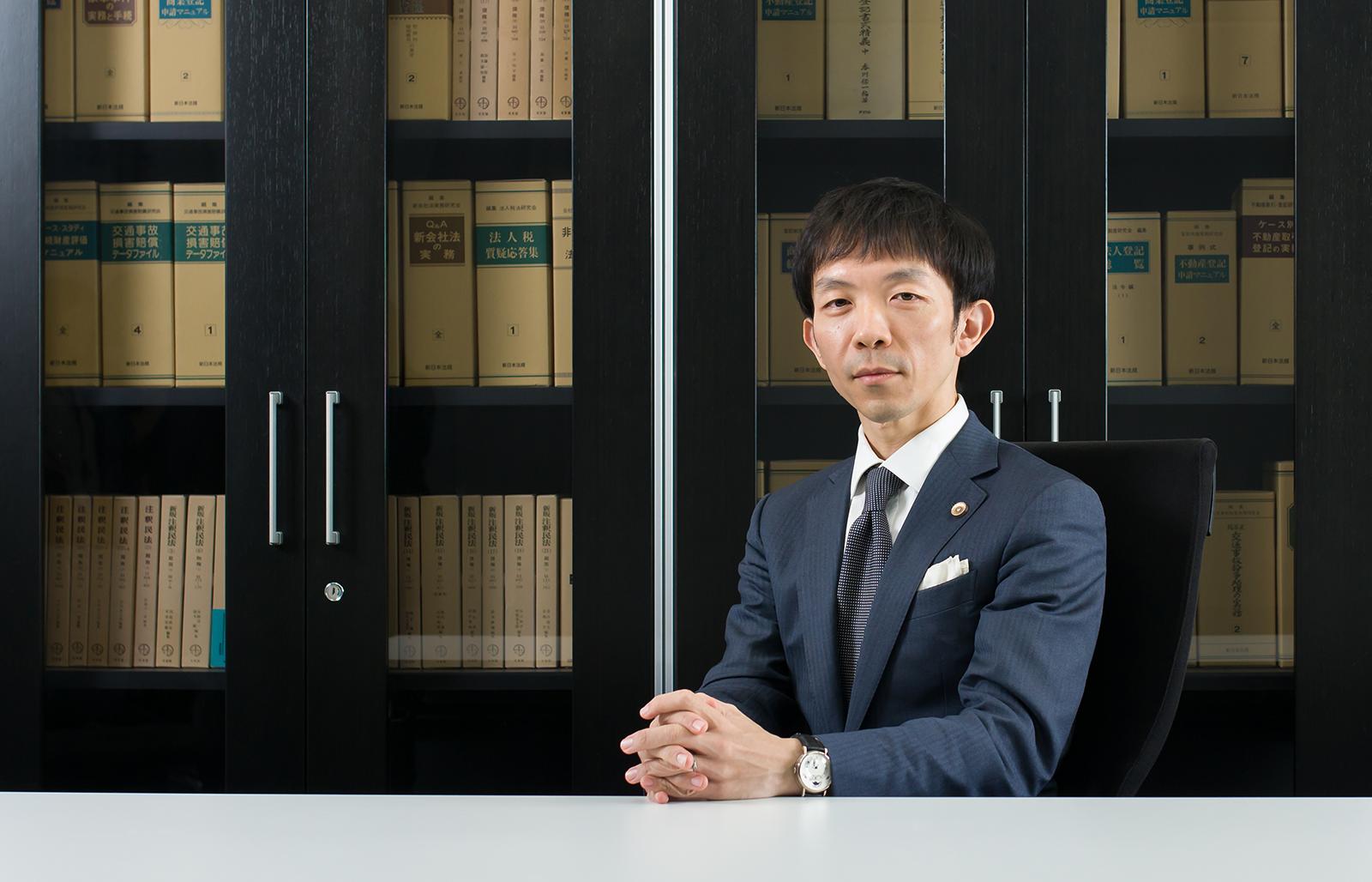 代表社員弁護士 鈴木 淳巳